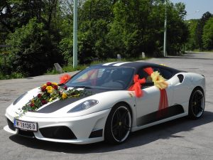 wedding-car-771395_1920
